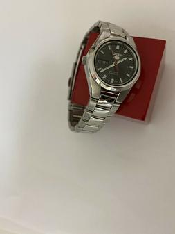 Women's Seiko 5 Automatic 4207 04Y4 Jewel  Day and date Watc